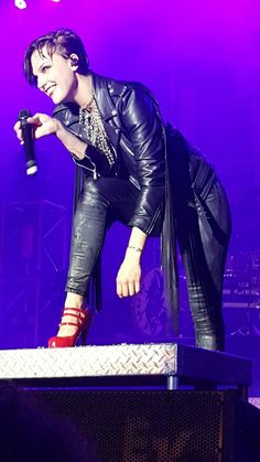 Lzzy Hale ✾ of Halestorm Glam Rock, Rock And Roll, Butcher Babies, Heavy Metal Girl, Ladies Of Metal, Lzzy Hale, Mayday Parade Lyrics, Rock Queen, The Amity Affliction