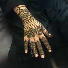Most Beautiful Henna Mehndi Designs For Women In 2019 - Kurti Blouse Full Mehndi Designs, Latest Bridal Mehndi Designs, Latest Arabic Mehndi Designs, Finger Henna Designs, Henna Art Designs, Indian Mehndi Designs, Mehndi Designs For Girls, Mehndi Designs For Beginners, Mehndi Design Photos