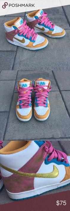c35e97f75fb EUC Nike 6.0 Dunk High Glittery Sneakers 8 You are looking at a beautiful  EUC Nike