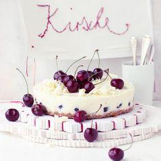 Cheesecake mit Kirschen Rezept - [LIVING AT HOME]