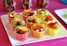 Rainbow Art Birthday Party - Glorious Treats Use these colorful and fill them with fresh fruits at your baby shower. Healthy party snacks for kids (fruit in cute cups) - by Glorious Treats Kinder Party Snacks, Healthy Party Snacks, Birthday Party Snacks, Art Birthday, Healthy Snacks, Fruit Party, Preschool Birthday Treats, Simple Snacks, Healthy Fruits