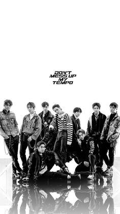 exo lockscreen phone wallpapers KPOP wallpaper and lockscreen. I hope you guys like it # Losowo # amreading # books # wattpad Baekhyun, K Pop, Exo Group Photo, Nct, Exo 12, Exo Album, Exo Lockscreen, Exo Concert, Exo Korean