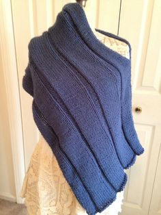Ravelry: Project Gallery for I Want That Wrap pattern by Carolyn Kinghorn