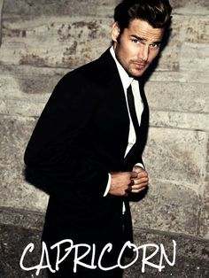 Find images and videos about sexy, man and men on We Heart It - the app to get lost in what you love. Suit Up, Suit And Tie, Stylish Men, Men Casual, Black Tie Affair, Elegant Man, Well Dressed Men, Gentleman Style, Mens Suits
