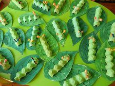 Idde for the Little Caterpillar Nimmersatt (Diy Deco Summer) # Hungry Caterpillar Activities, Caterpillar Craft, Very Hungry Caterpillar, Egg Carton Caterpillar, Kindergarten Art, Preschool Crafts, Crafts For Kids, Insect Crafts, Bug Crafts