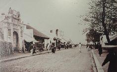 Phố Hàng Than, rất gần phố Nguyễn Trường Tộ nhà mình thời 1950s