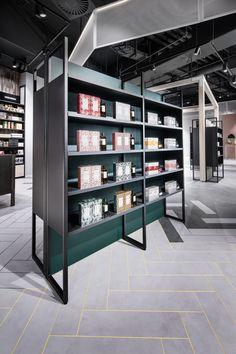 :Pleasant jewellery store design ideas such as interior design retail design pop up store retail experience Retail Interior Design, Retail Store Design, Retail Shop, Retail Displays, Boutique Interior, Shop Displays, Merchandising Displays, Window Displays, Tents