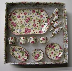 """The most adorable, tiny, dolls' house tea set.   1"""" Scale By Barb Rose Dinnerware Set"""