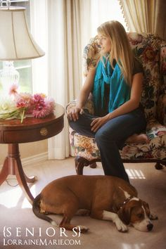 bellevue-senior-pictures-editorial-pose-girl-and-dog