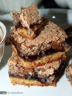 prăjitură cu magiun și nucă