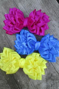Hair Bow Hair ClipPink hair bowhair bow pink por RibbonAndCrystals