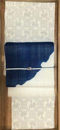 女優・一色采子の「母のタンス、娘のセンス」 Japanese Costume, Japan Style, Kimono Fabric, Nihon, Yukata, Japan Fashion, Kimono Fashion, Fabric Patterns, Textiles