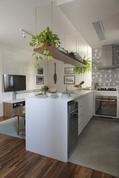 72 Kitchen Trends 2020 It's About Balance With Plenty Of Urban Flair 4 - onlyhomely Home Decor Kitchen, Kitchen Furniture, New Kitchen, Home Kitchens, Kitchen Island, Latest Kitchen Designs, Modern Kitchen Design, Bathroom Interior Design, Kitchen Interior