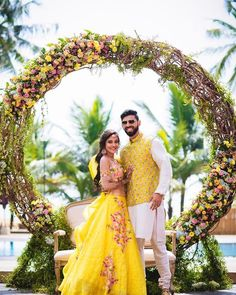 Fairytale, right? @soumy10 looks stunning in floral yellow lehenga! Shot by @lightbucketproductions outfit @soumyanandivadaofficial…