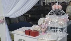 Свадьба: Что лучше не дарить?  Выбор свадебного подарка дело ответственное и тонкое. Тоньше, чем всем известный по фразе, Восток. Именно по этой причине подбор презента не стоит откладывать в долгий ящик, чтобы потом второпях не купить вещь, нежелательную, а то и запрещенную к дарению. Да-да, есть и такие вещи.  http://svadebniytamada.ru/wedding-notes/svadba-chto-luchshe-ne-darit/