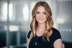 In the corporate climate of extreme business competition in New York City,  having a unique and professional headshot is essential. The client is  looking for a trustworthy, approachable and professional individual. Your  photograph will give an immediate impression of you.    SCROLL DOWN
