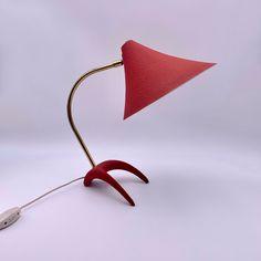 Vintage 50s Tischlampe mit Krähenfuß von Louis Kalff für Philips von RemoVintage auf Etsy Vintage Table, Messing, Table Lamp, Etsy, Vintage Table Lamps, Desk Lamp, Pear, Table Lamps, Lamp Table