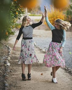 """""""It's double fun with these two in their Jill skirts (paired with Randy T's)! #LuLaRoejillskirt #jillskirt #LuLaRoe"""""""