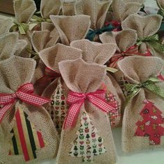 Candy Land Christmas, Christmas Treat Bags, Christmas Crafts For Gifts, Christmas Sewing, Christmas Makes, Christmas Gift Wrapping, Craft Gifts, Christmas Time, Wrapping