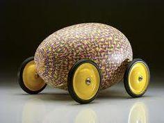 egg on wheels!