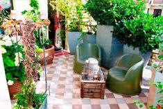 Tetőteraszos lakást keres? Mit szólna egy dús növényzetű, körben 75 m2-nyi tetőterasszal határolt, nappali + két hálószobás lakóparki lakáshoz?...