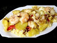 Huevos rotos con verduras y langostinos - YouTube
