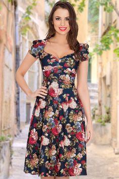 Dress Summer Summer Dress Fancy Elegant Vintage Chic for topvintage Demure Swing Dress In Floral Modest Dresses, Cute Dresses, Beautiful Dresses, Casual Dresses, Summer Dresses, Party Dresses, Frock Fashion, Fashion Dresses, Punk Fashion
