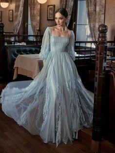 Designer Evening Gowns, Ball Gowns Evening, Ball Gowns Prom, Ball Dresses, Designer Gowns, Royal Dresses, Quince Dresses, Evening Dresses, Elegant Dresses