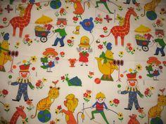 Vintage 1974 Circus/Clowns fabric <3