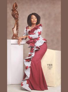 Hello Divas here are beautiful collection of most beautiful trending Ankara long gown collection for your next event, just scroll down and check 2020 Creative African Ankara Styles And Dresses For Afr Unique Ankara Styles, Ankara Dress Styles, African Print Dresses, African Print Fashion, African Dress, African Prints, Blouse Styles, African Attire, African Wear