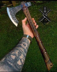 Viking Battle, Viking Armor, Battle Axe, Viking Runes, Swords And Daggers, Knives And Swords, Throwing Axe, Hand Axe, Axe Handle