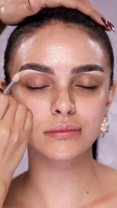 Eyebrow Makeup Tips, Contour Makeup, Contouring And Highlighting, Makeup Videos, Skin Makeup, Eyeliner Makeup, Eyeshadow, Kim Kardashian, Black Smokey Eye Makeup