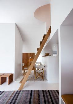 house_interior_wood_and_white_4