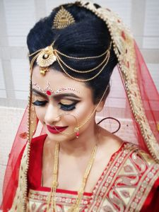 sonal parlour is one of the best and professional bridal makeup service provider  in Dhanbad. We provide various types of bridal makeup services to customers at reasonable rates. We use high quality herbal makeup products for skin thats why we are popular in dhanbad. So if anyone interested to get best bridal makeup services then you can directly visit our website. Best Bridal Makeup, Makeup Services, Free Hd Wallpapers, Decorating Blogs, Girl Hairstyles, Hair Inspiration, Halloween Face Makeup, Bridal Hairstyle, Parlour