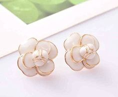 MISASHA Fashion Jewelry Gold Tone Classic Floral Earrings Studs -- Want to know more, click on the image.