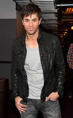 Enrique Iglesias from 2014 Grammy Nominations Concert Enrique Iglesias, Grammy Awards 2014, Grammy Nominations, Moving To Miami, Jonathan Scott, Star Wars, Charli Xcx, Hollywood Celebrities, Male Celebrities