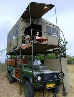 Safari roof top tent