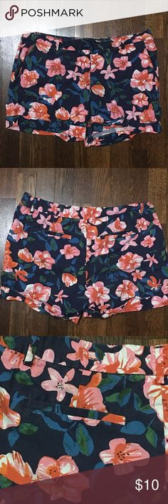 Floral Shorts Cute and colorful floral shorts that are 100% cotton! These are in excellent used condition. Joe Fresh brand. Size 6. 🌸🌺 Joe Fresh Shorts