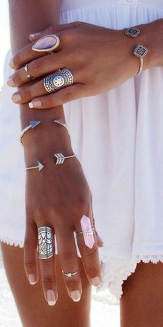 Best Elegant Boho Rings, Bohemian Rings Styles Collection - Diaror Diary - Page 2 ♥ 𝕴𝖋 𝖀 𝕷𝖎𝖐𝖊, 𝕱𝖔𝖑𝖑𝖔𝖜 𝖀𝖘!♥ ♥ Hope you love this vintage boho rings styles collection ღ 𝖛𝖎𝖓𝖙𝖆𝖌𝖊 𝖇𝖔𝖍𝖔 𝖗𝖎𝖓𝖌𝖘 𝖘𝖙𝖞𝖑𝖊𝖘 ღ Accessoires Hippie, Jewelry Accessories, Fashion Accessories, Bohemian Jewelry, Bohemian Rings, Trendy Jewelry, Beach Jewelry, Ethnic Jewelry, Boho Gypsy