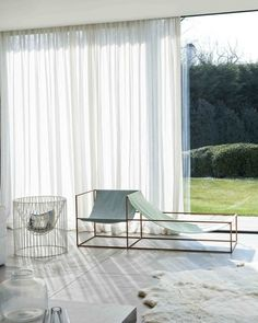 Lightweight seating by Muller Van Severen in a concrete house by architect Marc Corbiau. Interior Exterior, Interior Architecture, Online Architecture, Style At Home, Curtains With Blinds, White Curtains, Floor To Ceiling Curtains, Sheer Blinds, Luxury Curtains