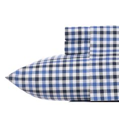 Classic blue plaid sheets are perfect #BoysRoom #CollegeBedding