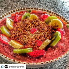 Yes please!!! #Repost @thejuiceboxtn  Açaí Bowl anyone?! Come to either Juice Box location (Alcoa or Broadway in Knoxville) get a Bowl and take a picture with it and tag us for an opportunity to win a FREE Bowl!  There isn't a better way to enjoy a beautiful day like today than with an amazing Açaí or Pitaya Bowl!  #organic #healthy #health #nutrients #cleanse #fitness #food #fresh #bowl #acai #acaibowl #pitaya #dragonfruit #fruit #vegetables #greens #alcoa #airshow2016 #knoxvilletn…