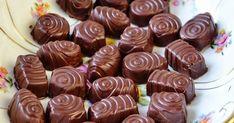 Havde sidste uge en dag i køkkenet med min søde veninde, hvor vi fik fremstillet forskellige påskegodter. Det blev til fyldte chokolader...