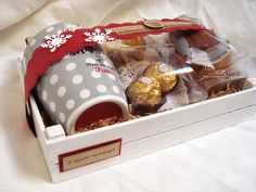Lunch Box, Container, Packaging, Hampers, Gifts, Marketing, Ideas, Christmas Tea, Shop Windows