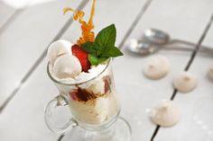 Dessert. Tasty Dishes, Panna Cotta, Restaurant, Ethnic Recipes, Desserts, Food, Kitchens, Dulce De Leche, Meal