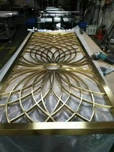 Metal screen with brass color.