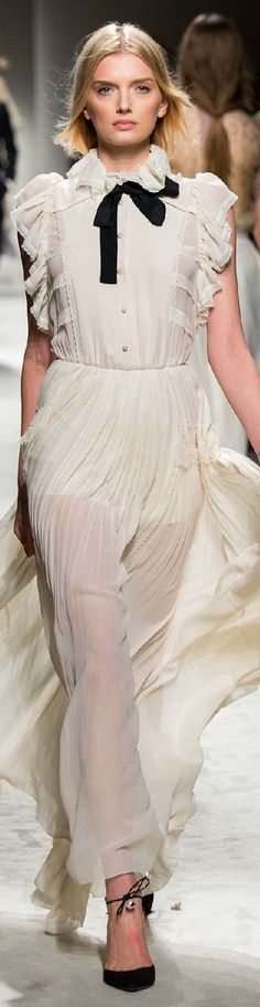 Fall 2015 Ready-to-Wear Philosophy di Lorenzo Serafini
