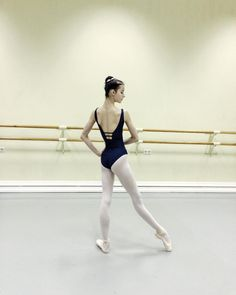 Previous pinner said: Vaganova Ballet Academy student Mad about ballet Enjoying my life Ballet Class, Ballet School, Ballet Dance, Vaganova Ballet Academy, La Bayadere, Ballet Poses, Ballet Clothes, Dance Tips, Dance Company