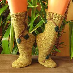 Ravelry: Wunsch Blatt Socken pattern by Sonja Köhler