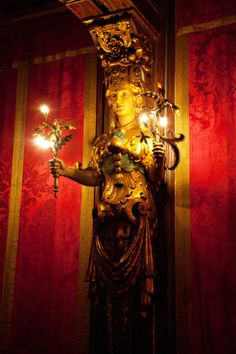 These light up the private movie theatre Hearst Castle San Simeon California, California Love, Exterior Design, Interior And Exterior, Weapon Storage, Historical Landmarks, Picture Story, Red Curtains, Beautiful Castles